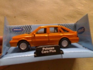 AUTOKOLEKCJA WELLY 1:34 - FSO POLONEZ CARO PLUS